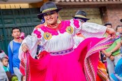 Inheemse Vrouwen met Traditioneel Volkskostuum Stock Foto