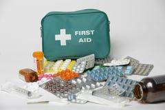 Inhoud van een geneeskundekabinet Stock Fotografie