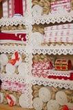 Inhoud van een oud linnen closetes Stock Afbeelding