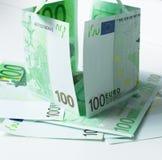 Inhysa från 100 eurobankntes Fotografering för Bildbyråer