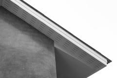 Inhysa taket, generisk sikt till fasaden av det nya huset arkivfoto