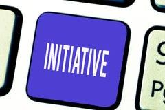 Iniciativa do texto da escrita da palavra Conceito do negócio para que a capacidade avalie e iniciem a motivação das coisas indep imagens de stock royalty free