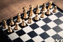 Inizi il gioco di scacchi fotografia stock