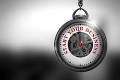 Inizi la vostra attività sull'orologio d'annata illustrazione 3D Fotografie Stock