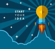 Inizi la vostra idea, manifesto creativo con la lampadina trasformata nel razzo Fotografia Stock
