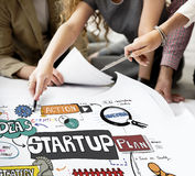 Inizi sul concetto creativo di opportunità del lancio di strategia immagini stock