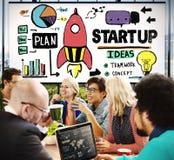 Inizi sul concetto della visione dello sviluppo del business plan Fotografie Stock