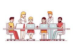 Inizi sul funzionamento del gruppo di affari, parlante insieme royalty illustrazione gratis