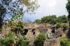 Inizio degli scavi archeologici, il resti delle costruzioni a Roma, Italia Fotografie Stock Libere da Diritti