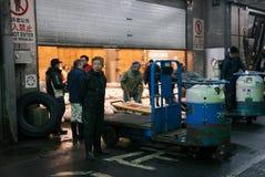 Inizio del lavoro presto nel mercato di tsujiki Fotografie Stock