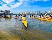 Inizio della corsa della canoa Fotografia Stock