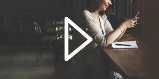 Inizio di inizio di multimedia dell'icona del tasto di riproduzione che gioca concetto Fotografia Stock