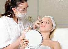 Injeção do tratamento da beleza Fotografia de Stock Royalty Free