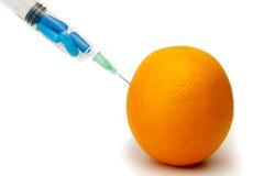 Injection des vitamines oranges Photos libres de droits