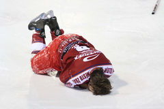 Injury - Ice hockey player Royalty Free Stock Photos