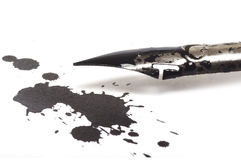Free Ink Pen And Ink Blot Royalty Free Stock Images - 28278329
