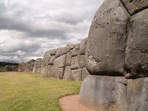 Inkafestung von Sacsayhuaman lizenzfreie stockfotos