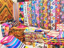 Inkamarkt in Pisac, Peru stockbild
