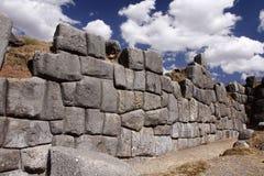 Inkasteinwand in Cuzco, Peru stockbild