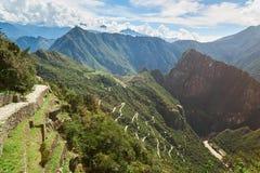 Inkaterrassen in Machu Picchu stockfotografie