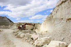 INKERMAN, DE KRIM - SEPTEMBER 2014: Kalksteensteengroeve royalty-vrije stock foto