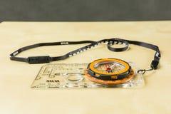 Inklinationskompaß und orienteering Kompass mit Abzugsleine - Silva Stockbild