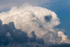 Inkomende wolken Royalty-vrije Stock Foto's