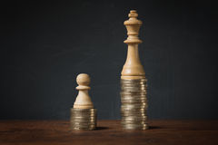 Inkomstskillnader mellan rikt och fattigt royaltyfria foton