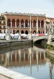 Inkvartera Amulea i den stora piazza av den Prato dellaen Valle också som är bekant som Ca-` Duodo Palazzo Zacco i Padua Arkivfoton