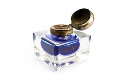 Inkwell antico con inchiostro blu Fotografia Stock Libera da Diritti