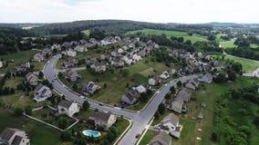 Inländische Beziehungen, die in Lancaster, Pennsylvania errichten stock footage