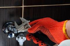 Inländische Klempnerarbeitverbindungen Klempner Installation Hoses Lizenzfreie Stockfotografie