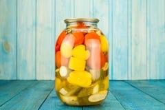 inlagda grönsaker för jars Marinated mat Arkivbild