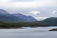 Inlands- fjärd i Tierra del Fuego National Park Royaltyfri Bild