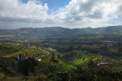 Inlands- Gran Canaria, sikt in mot centrala berg Royaltyfri Fotografi