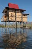 Inle湖的一个全新的房子 免版税库存照片