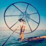 Inle湖的缅甸传统缅甸渔夫 免版税库存图片