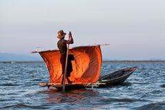Inle湖的,掸邦,缅甸渔夫 免版税库存照片