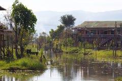 Inle湖,缅甸浮动村庄  免版税库存图片