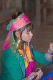 INLE湖,缅甸- 2014年11月30日:一个未认出的女孩  免版税库存图片