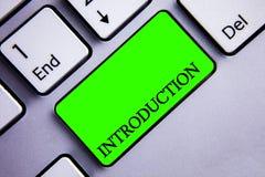 Inledning för handskrifttexthandstil Begrepp som först betyder delen av en formell presentation för dokument till en åhöraretange royaltyfri foto