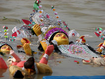 Inmersión del ídolo de Durga de la diosa Imagen de archivo libre de regalías