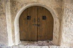 Innen-andexterior dietails Türen des Livonia-Bestellungs-Schlosses wurden mitten in dem 15. Jahrhundert errichtet Bauska Lettland Stockfotos