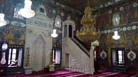 Innen- Ansicht zu beschmutzter Moschee Alaca Cami Kalkandelen malte alias Moschee, Tetovo, Nord-Mazedonien lizenzfreies stockfoto