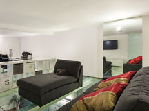 Innen-, breiter Dachboden, Studio Stockfoto