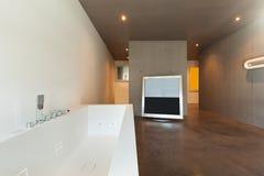 Innen-, modernes Badezimmer Stockfotografie
