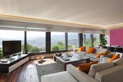 Innen-, schönes Wohnzimmer stockfoto
