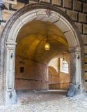Innenansicht der alte Tunnel, Tunnel mit dem Licht, das vom Ausgang kommt Stockfoto