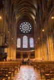 Innenansicht der Chartres-Kathedrale Stockbild