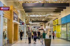 Innenansicht des großen Malls, Milpitas lizenzfreies stockfoto